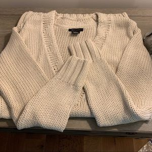 Cable V neck long knit sweater
